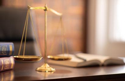 Unzulässigkeit der Klage eines Querulanten wegen partieller Geschäfts- und Prozessunfähigkeit